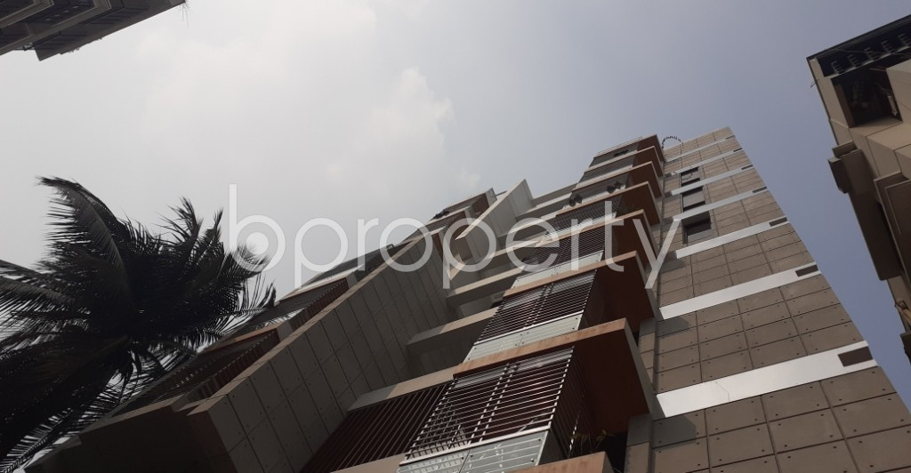 Outside view - 3 Bed Apartment to Rent in Lalmatia, Dhaka - 1985967