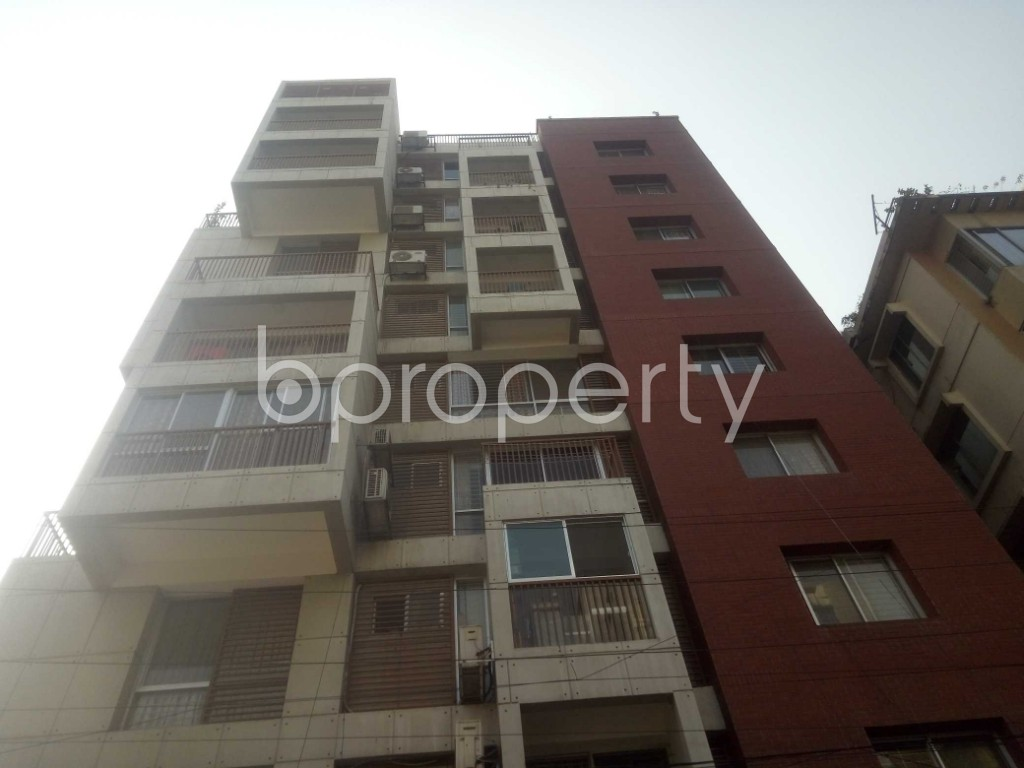 Outside view - 3 Bed Apartment to Rent in Baridhara, Dhaka - 1988390