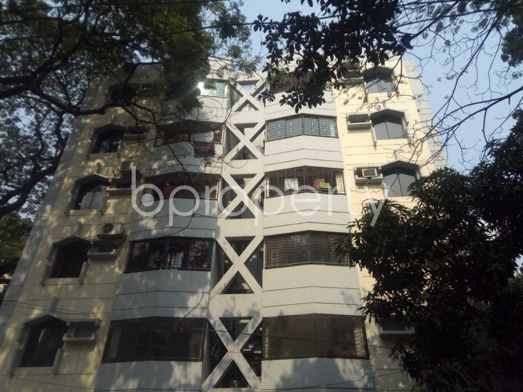 Outside view - 3 Bed Apartment to Rent in Banani, Dhaka - 1990960