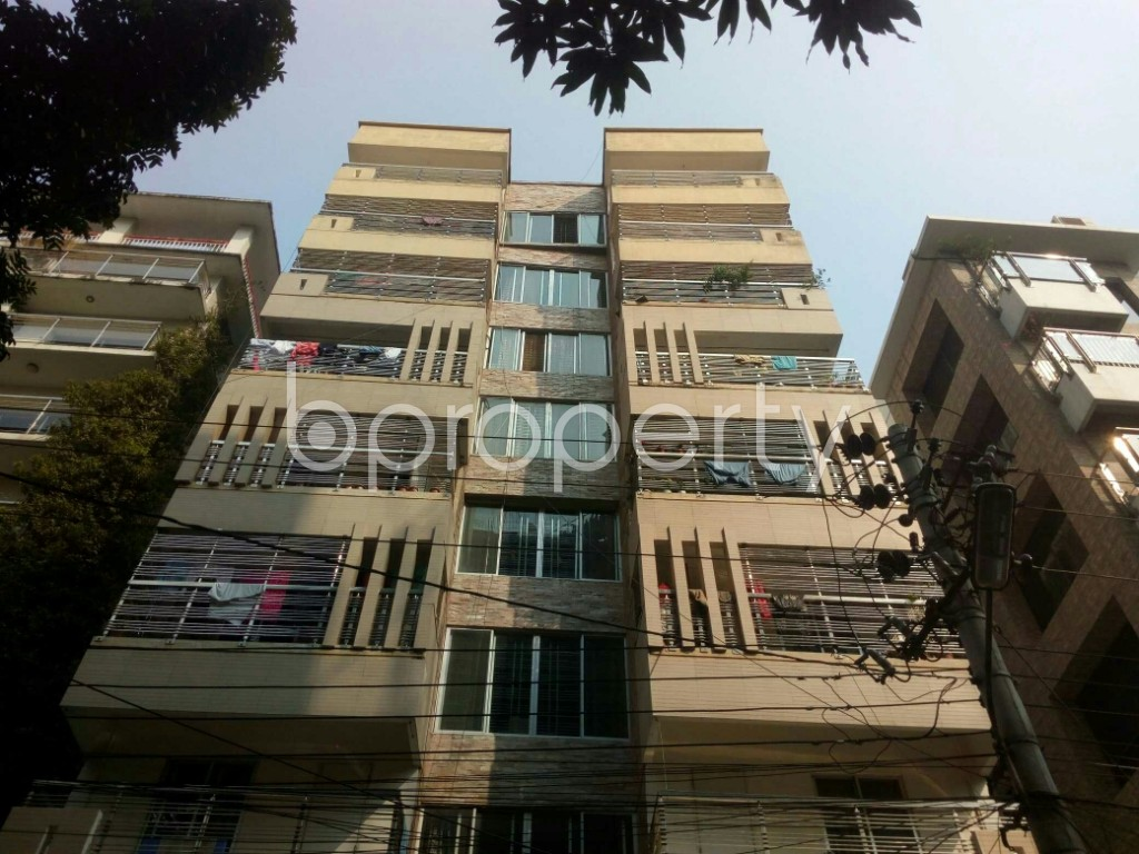 Outside view - 3 Bed Apartment to Rent in Banani, Dhaka - 1990987