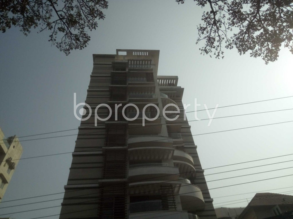Outside view - 4 Bed Apartment to Rent in Baridhara, Dhaka - 1991278