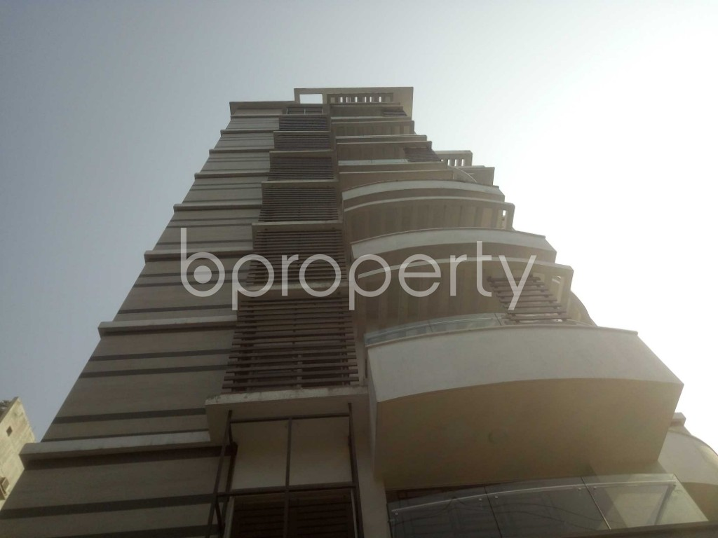Outside view - 4 Bed Apartment to Rent in Baridhara, Dhaka - 1991280