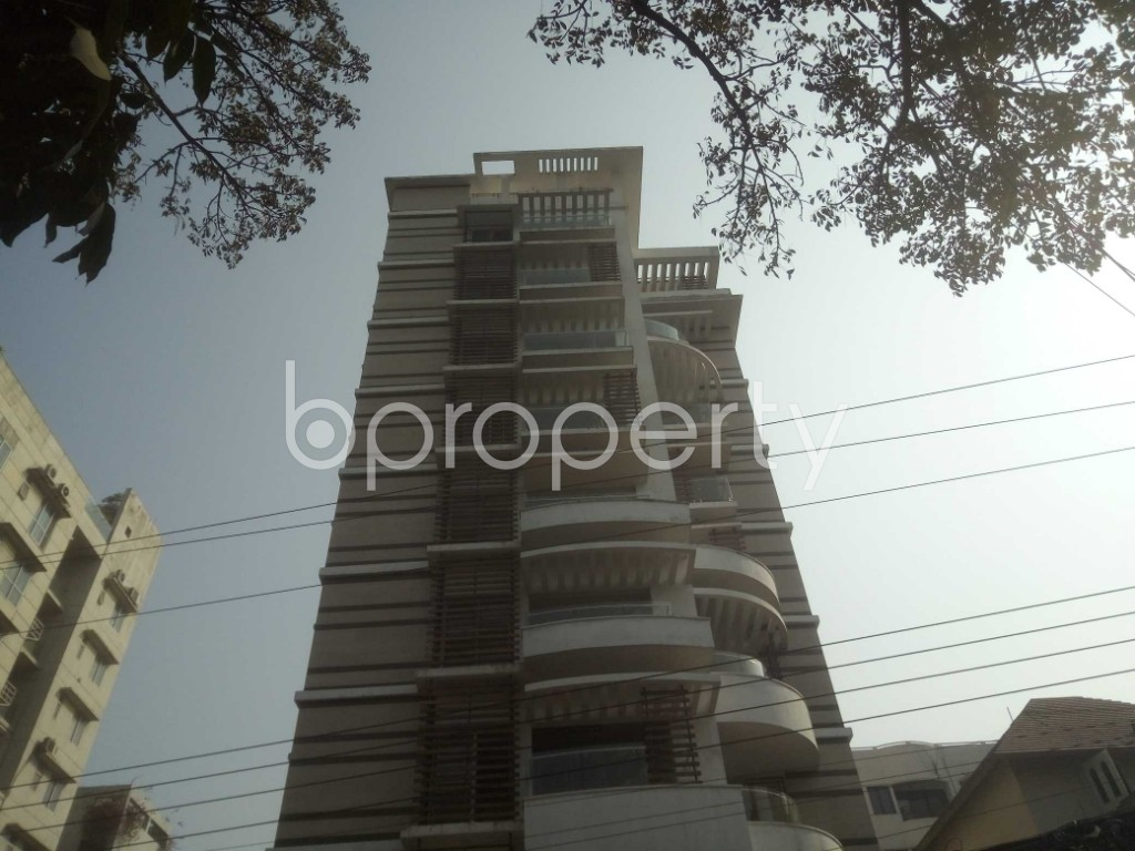 Outside view - 4 Bed Apartment to Rent in Baridhara, Dhaka - 1991284