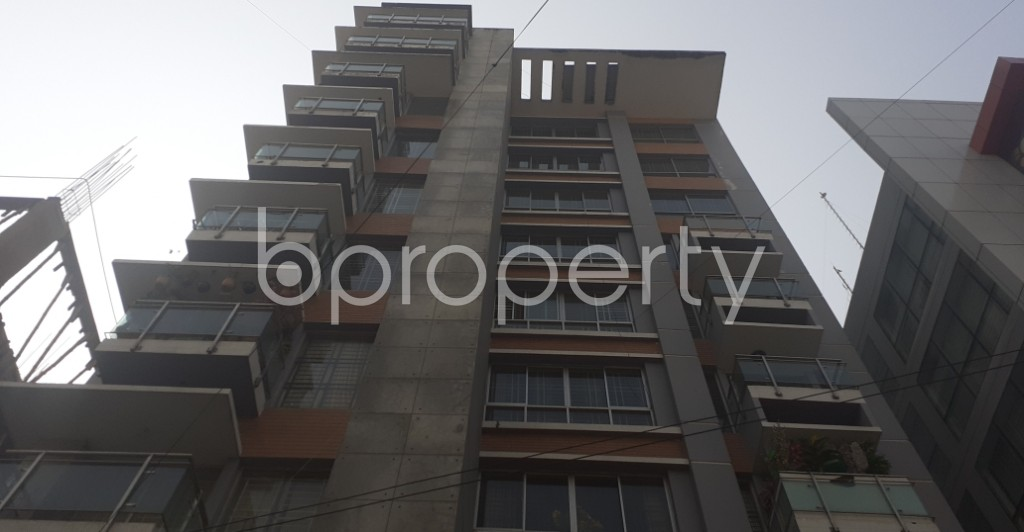 Front view - 3 Bed Apartment for Sale in Bashundhara R-A, Dhaka - 1991367