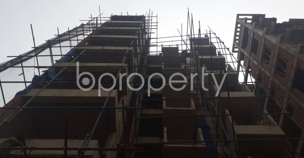 Front view - 3 Bed Apartment for Sale in Bashundhara R-A, Dhaka - 1991478