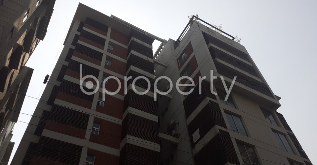 Front view - 3 Bed Apartment for Sale in Bashundhara R-A, Dhaka - 1991486