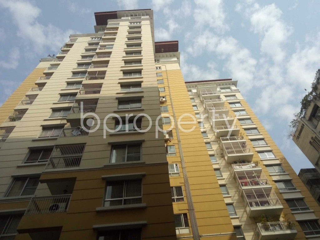 Front view - 4 Bed Apartment for Sale in Gulshan, Dhaka - 1992038