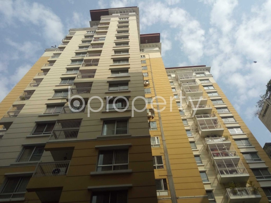 Front view - 4 Bed Apartment for Sale in Gulshan, Dhaka - 1992041