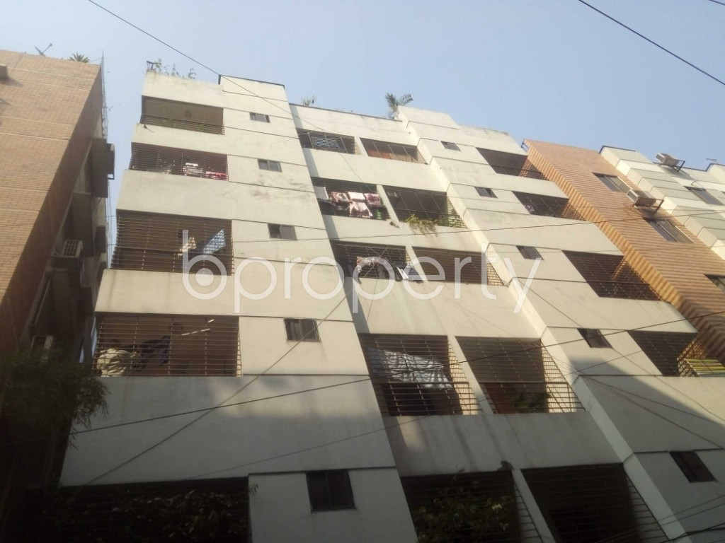 Outside view - 3 Bed Apartment to Rent in Baridhara, Dhaka - 1992300