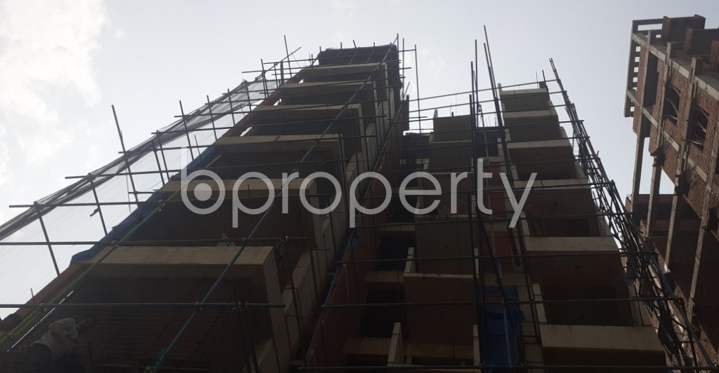 Front view - 3 Bed Apartment for Sale in Bashundhara R-A, Dhaka - 1992547