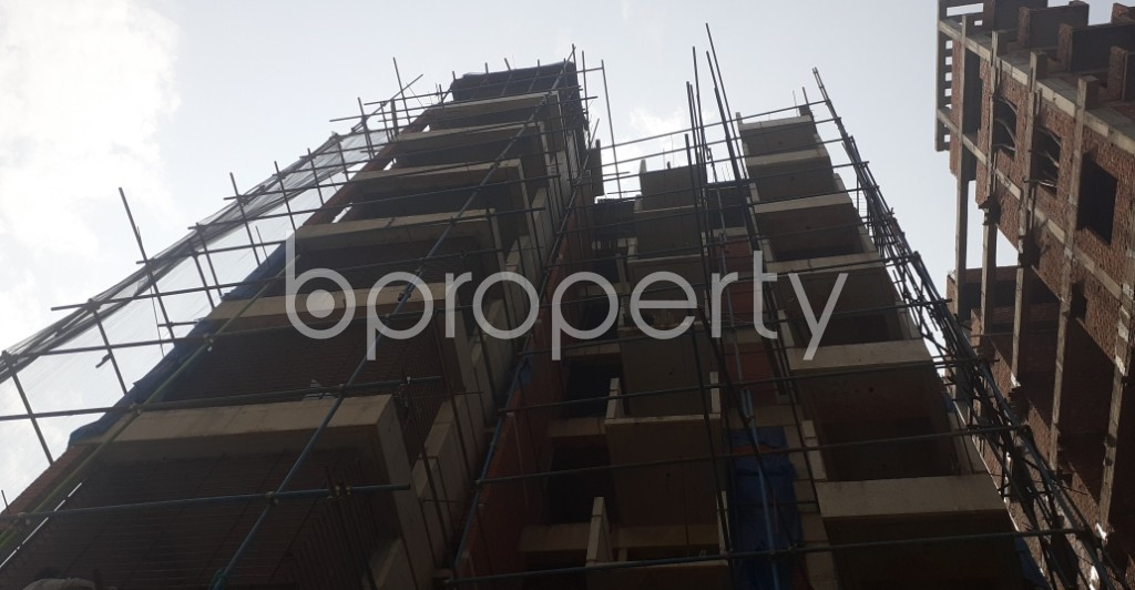 Front view - 3 Bed Apartment for Sale in Bashundhara R-A, Dhaka - 1992551