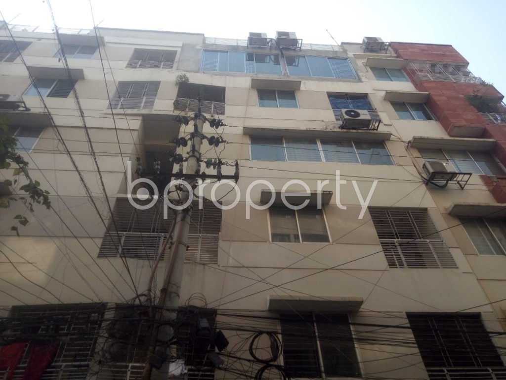 Outside view - 3 Bed Apartment to Rent in Baridhara, Dhaka - 1992814
