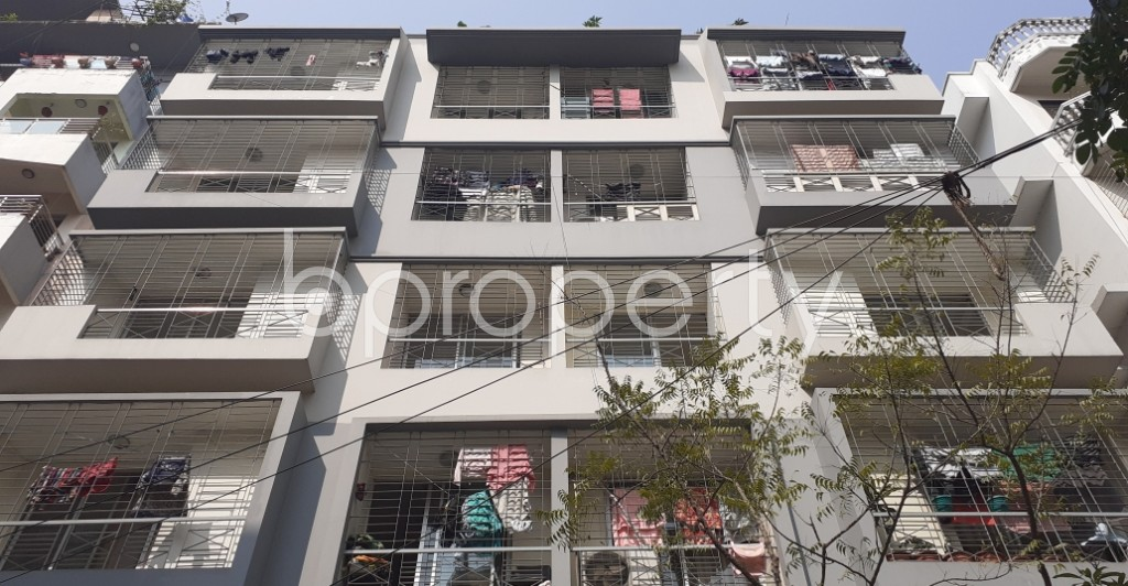 Front view - 3 Bed Apartment for Sale in Bashundhara R-A, Dhaka - 1993016