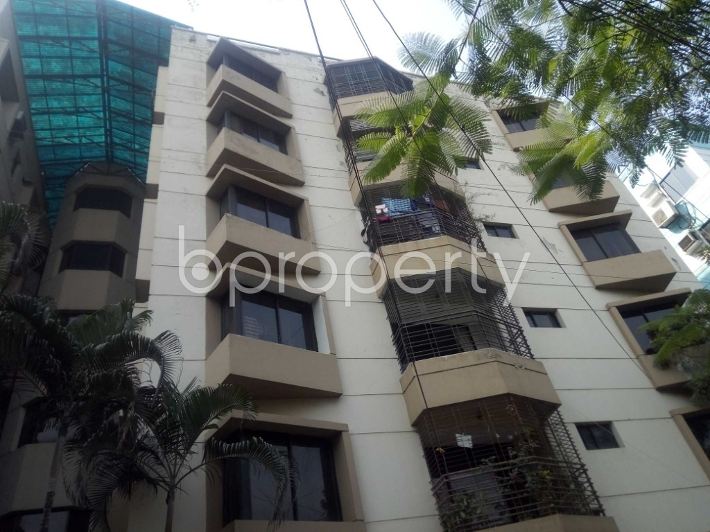 Outside view - 3 Bed Apartment to Rent in Banani, Dhaka - 1993036