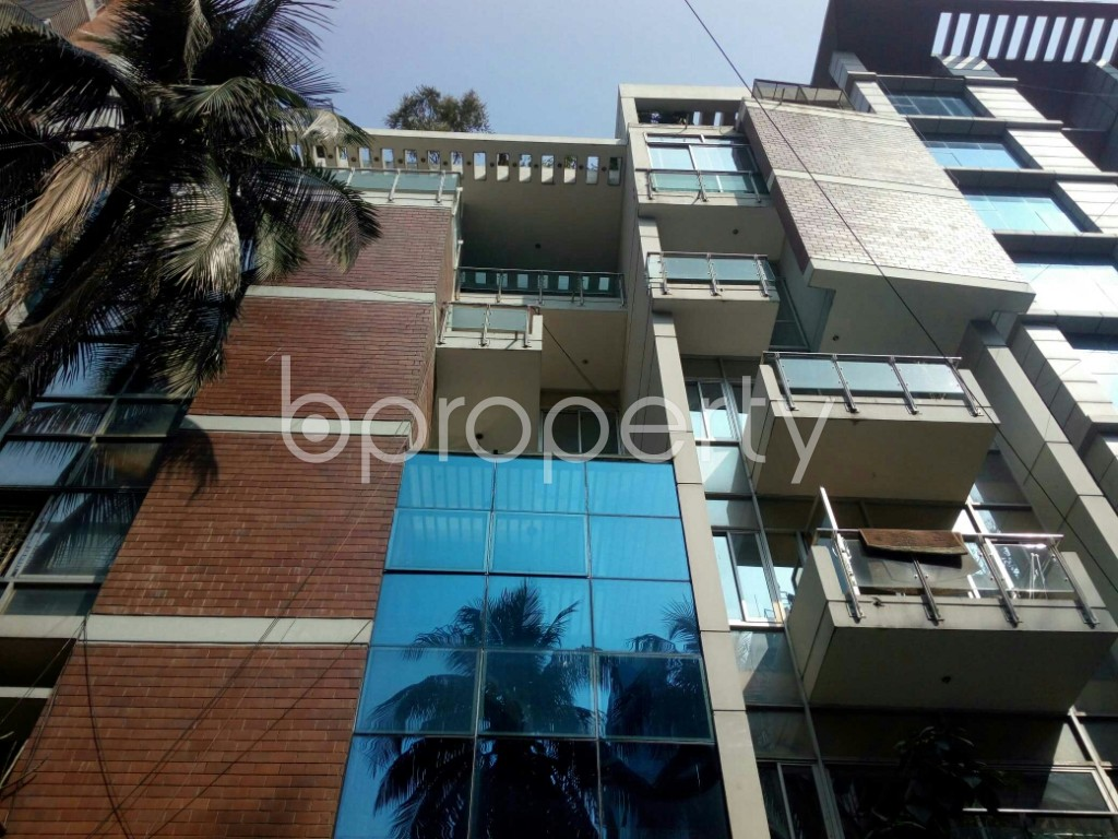 Outside view - 3 Bed Apartment to Rent in Banani, Dhaka - 1993225