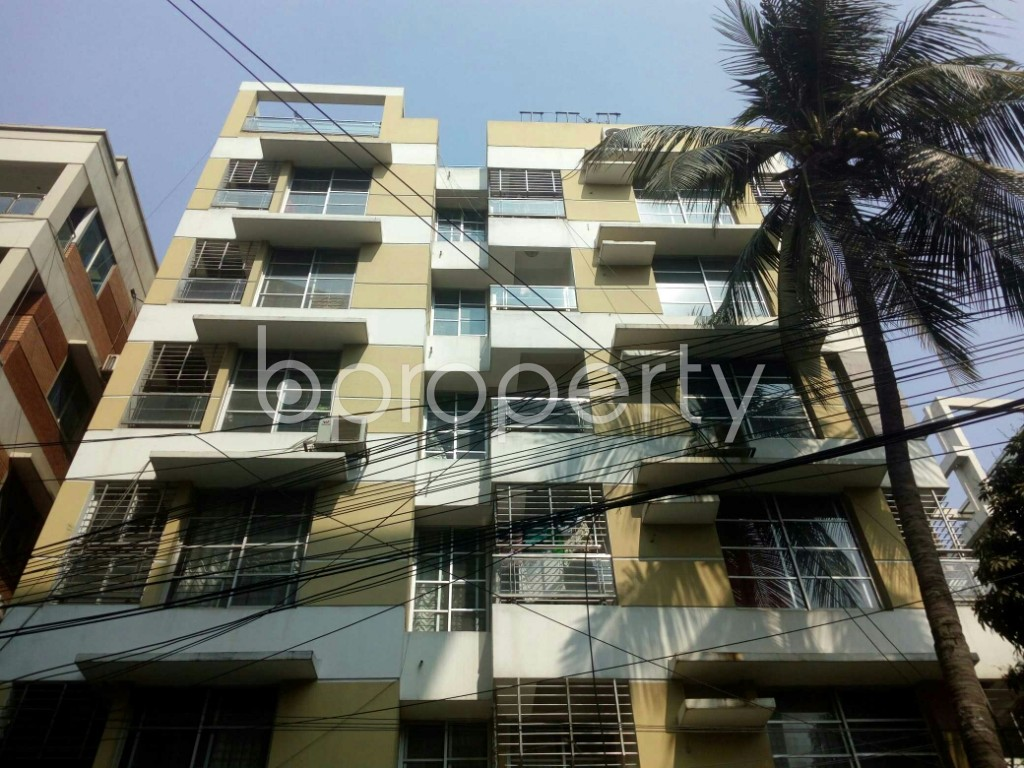 Outside view - 3 Bed Apartment to Rent in Banani, Dhaka - 1993246