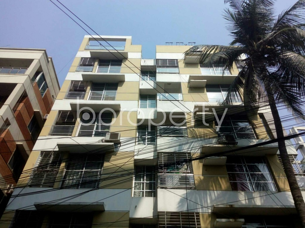 Outside view - 3 Bed Apartment to Rent in Banani, Dhaka - 1993248
