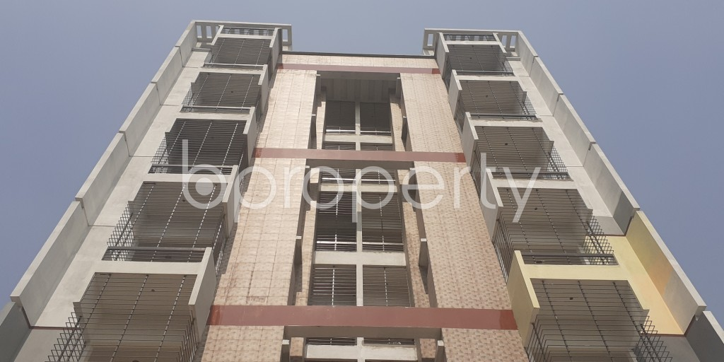 Front view - 3 Bed Apartment for Sale in Bashundhara R-A, Dhaka - 1993450