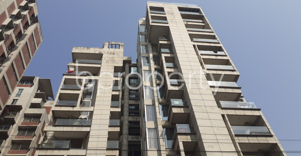 Front view - 4 Bed Apartment to Rent in Gulshan, Dhaka - 1994023