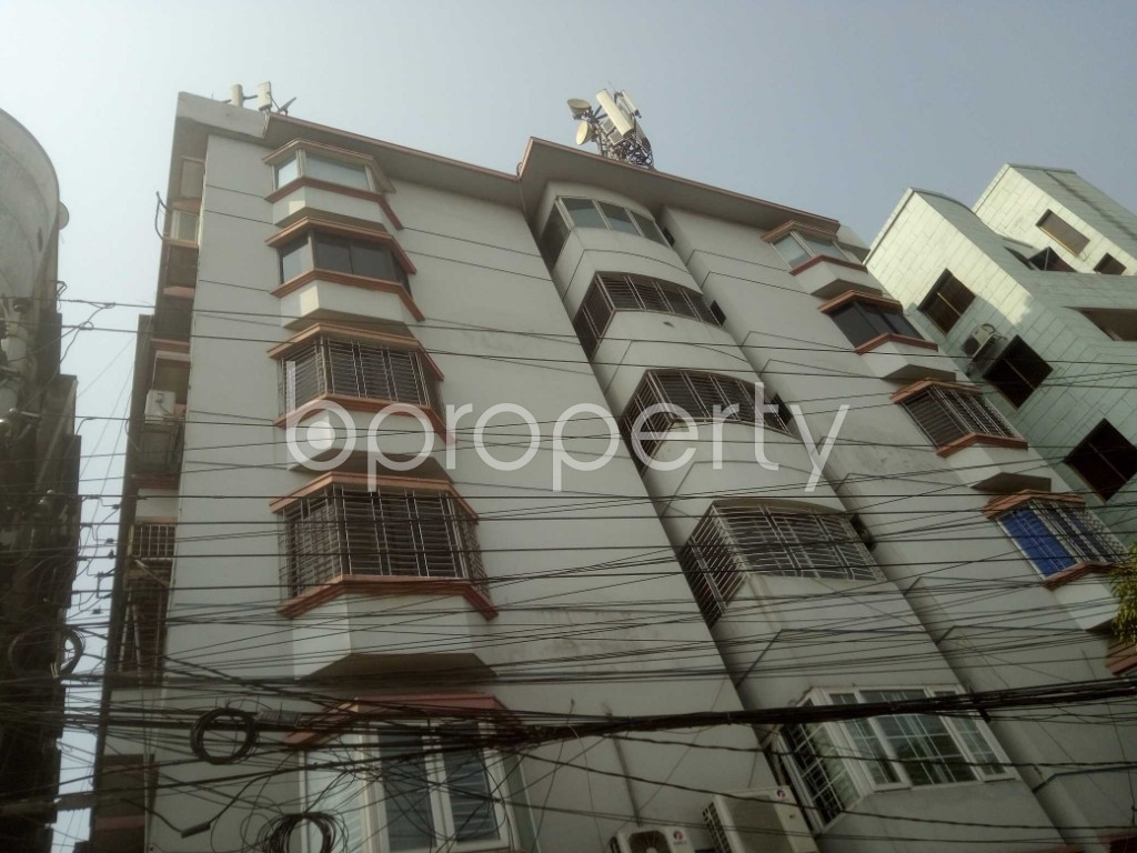 Outside view - 3 Bed Apartment to Rent in Baridhara, Dhaka - 1994531
