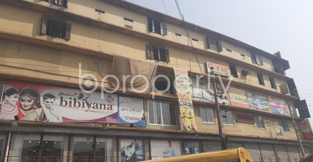 Front view - Shop to Rent in Mohammadpur, Dhaka - 1994570