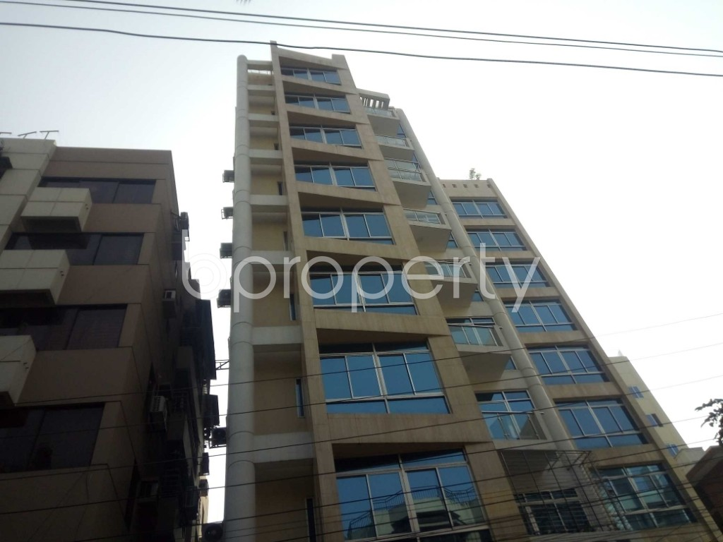 Outside view - 3 Bed Apartment to Rent in Banani, Dhaka - 1994766