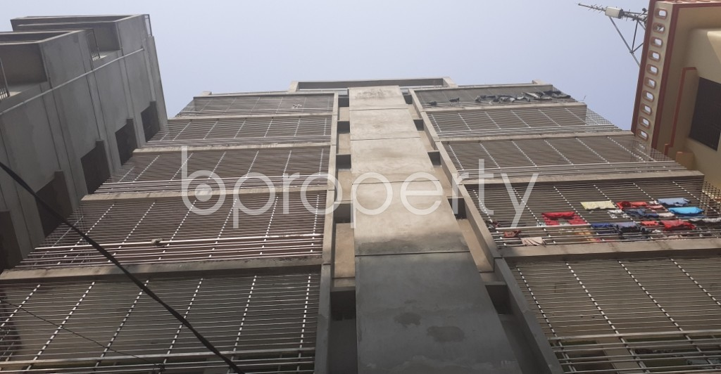 Front view - 3 Bed Apartment to Rent in Bashundhara R-A, Dhaka - 1994959