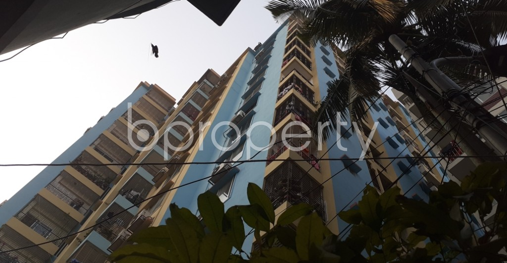 Front view - 3 Bed Apartment to Rent in Dhanmondi, Dhaka - 1995015