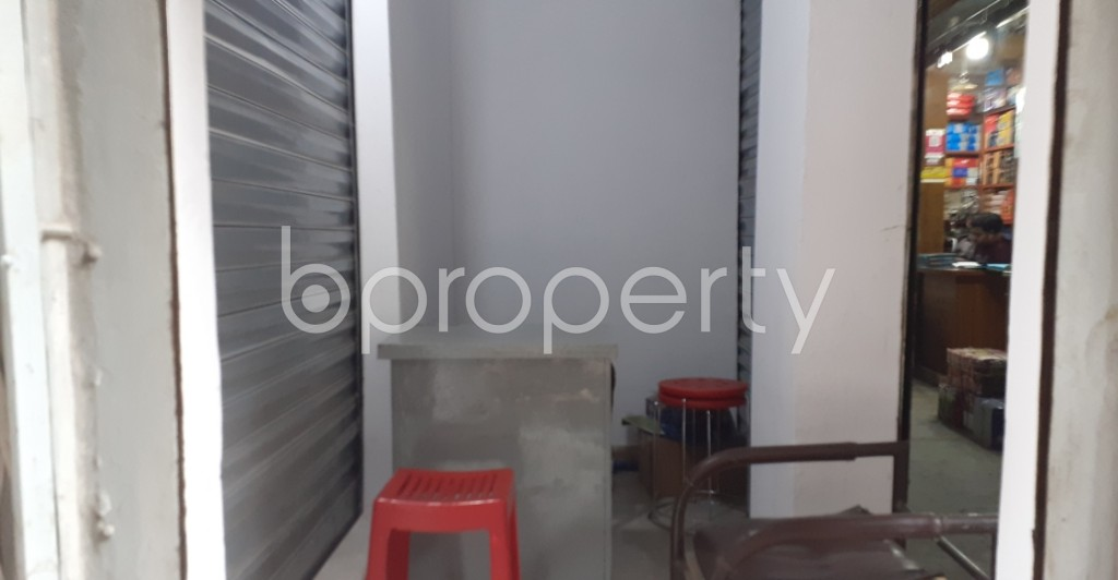Commercial inside - Shop to Rent in Bangshal, Dhaka - 1995089