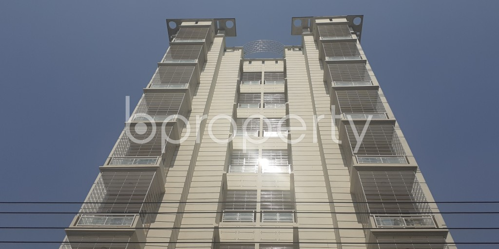 Front view - 3 Bed Apartment for Sale in Bashundhara R-A, Dhaka - 1995258