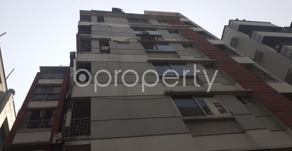 Front view - 3 Bed Apartment to Rent in Bashundhara R-A, Dhaka - 1995305