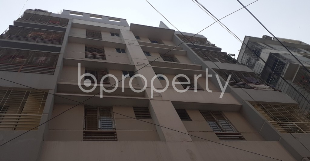 Front view - 3 Bed Apartment to Rent in Bashundhara R-A, Dhaka - 1995309
