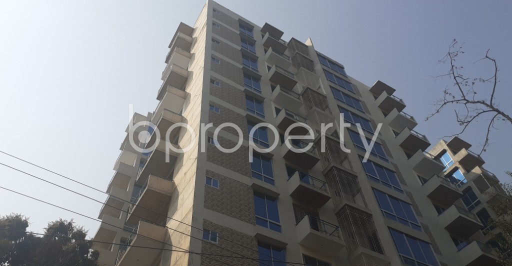 Front view - 4 Bed Apartment to Rent in Gulshan, Dhaka - 1995349
