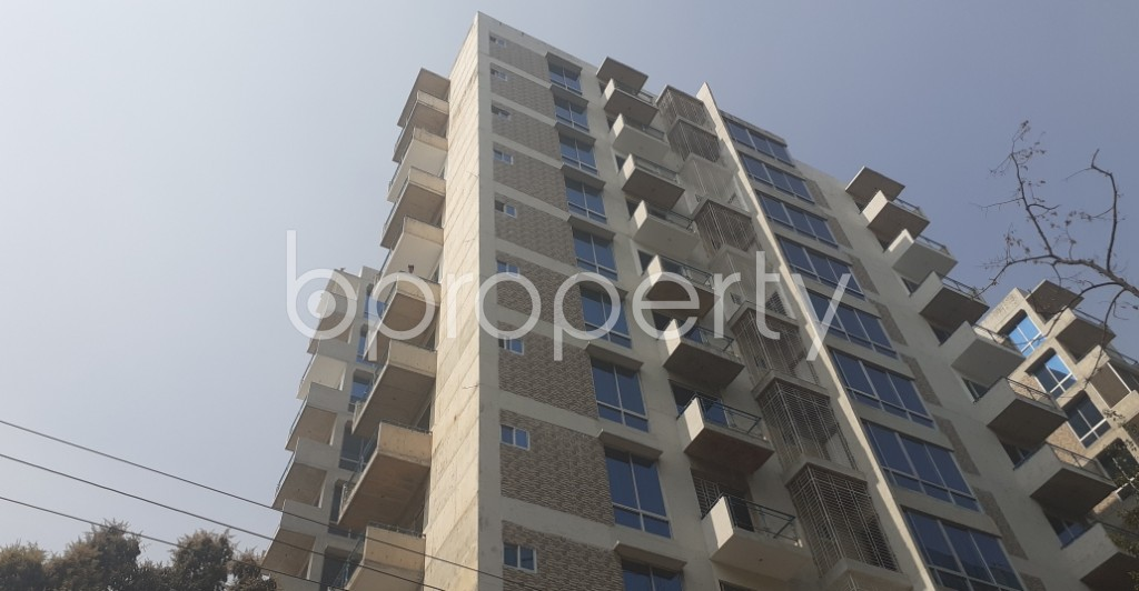 Front view - 4 Bed Apartment to Rent in Gulshan, Dhaka - 1995357
