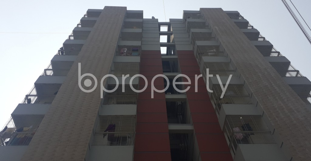 Front view - 3 Bed Apartment to Rent in Bashundhara R-A, Dhaka - 1995418