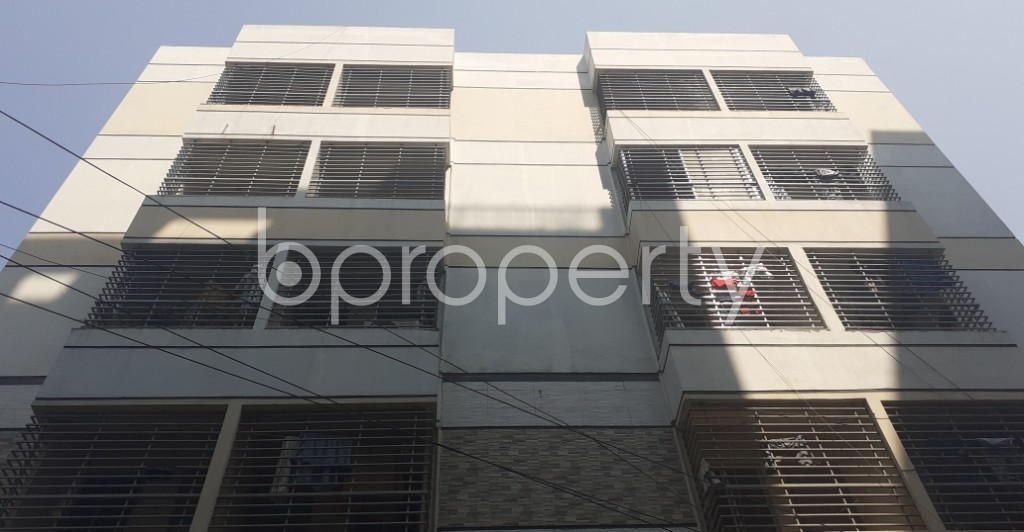 Front view - 3 Bed Apartment to Rent in Bashundhara R-A, Dhaka - 1995420