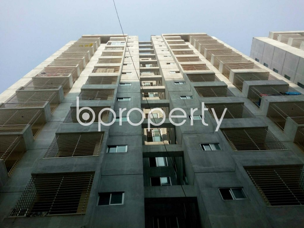 Front view - 3 Bed Apartment to Rent in Mirpur, Dhaka - 1995597