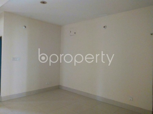 Empty Room - 3 Bed Apartment to Rent in Bashundhara R-A, Dhaka - 1859214