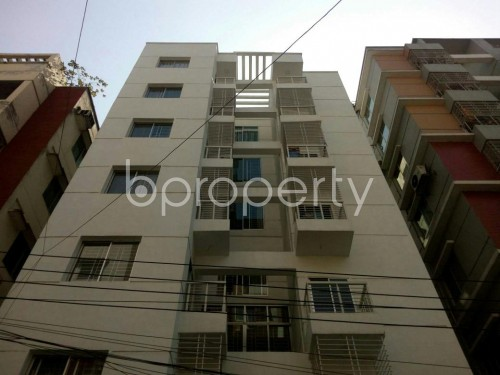 Front view - 3 Bed Apartment to Rent in Bashundhara R-A, Dhaka - 1859226
