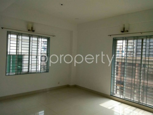 Empty Room - 3 Bed Apartment to Rent in Bashundhara R-A, Dhaka - 1859823