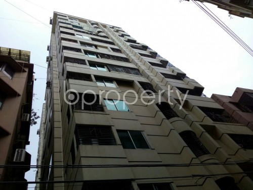 Outside view - 3 Bed Apartment to Rent in Dhanmondi, Dhaka - 1860046